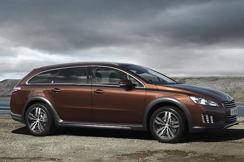 Peugeot 508 RXH diesel-electric hybrid revealed