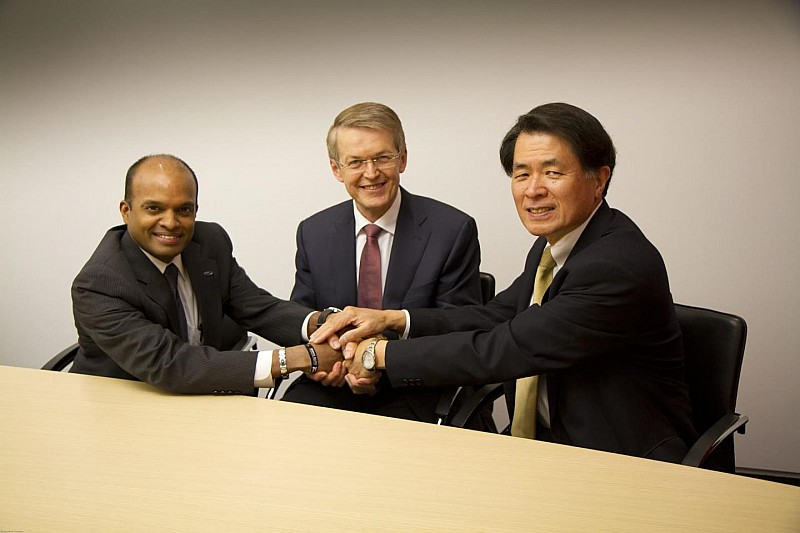 Daimler, Ford and Renault-Nissan sign agreement to work on fuel-cell tech [video]