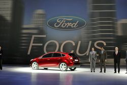 2012 Ford Focus live at 2010 Detroit Auto Show 11.01.2010