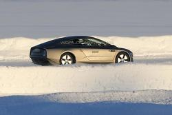 Volkswagen XL1 spy photo 17.01.2013 / Automedia