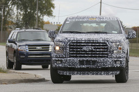 2017 Ford Expedition spied showing its F-150 inspired styling